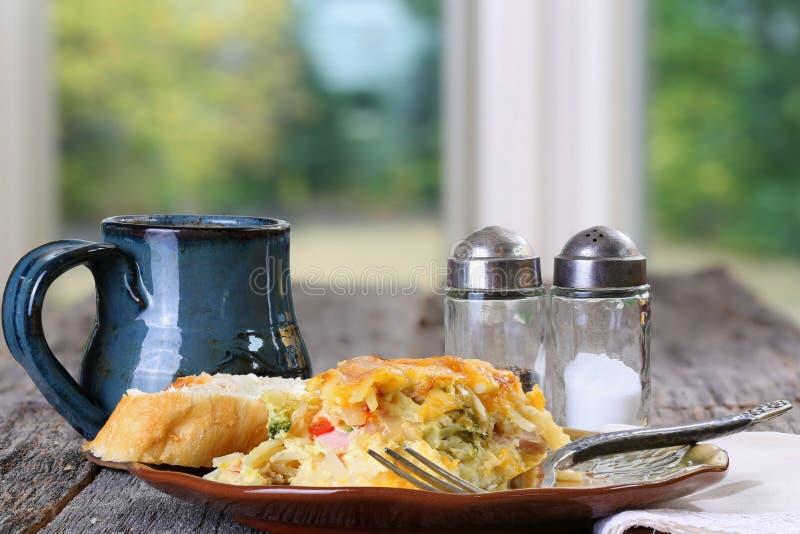 早餐砂锅用咖啡 图库摄影