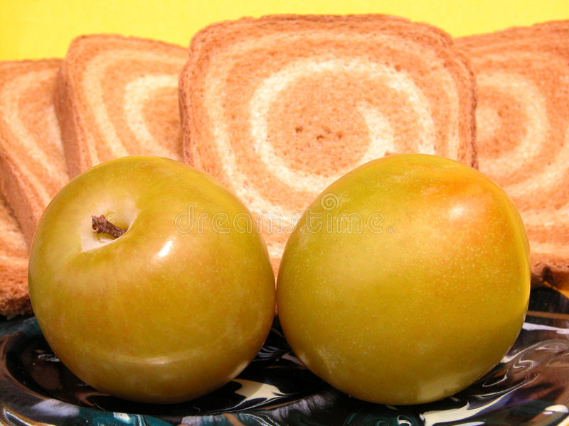 Download 早餐 库存图片. 图片 包括有 适应, 面包干, 营养, 超重, 卡路里, 快餐, 生活方式, 平分, 午餐 - 181871