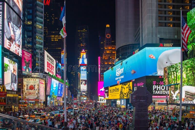 时代广场在晚上在纽约 免版税图库摄影