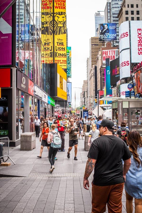 时代广场纽约人群 图库摄影