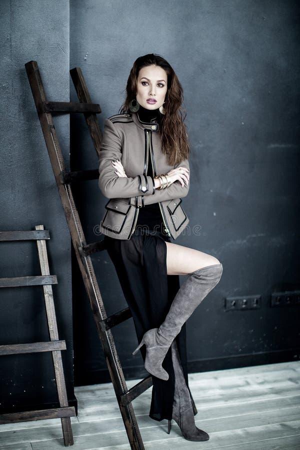 时尚军事称呼 在夹克的模型 库存图片