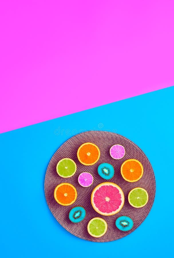 时尚夏天热带水果 最小的艺术概念 库存图片