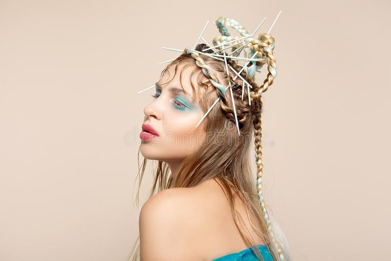 时尚妇女的创造性的图象有抽象构成的 免版税库存照片