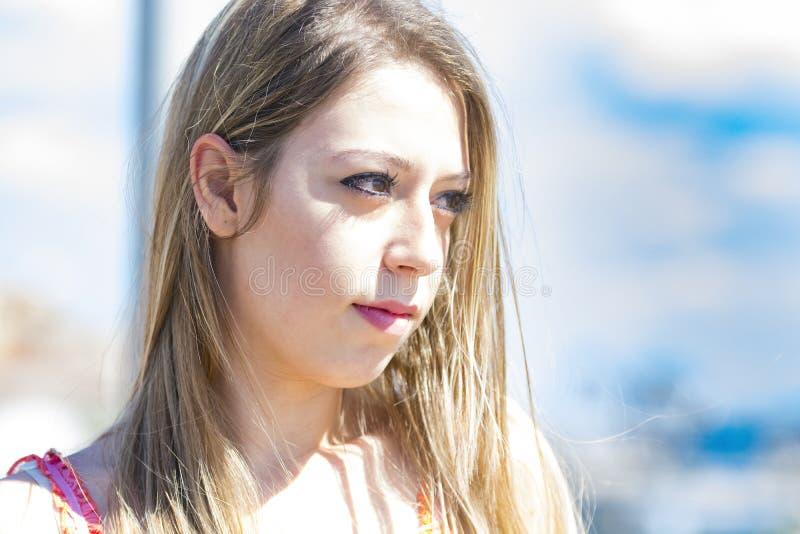 时尚白肤金发的女孩在意大利 库存图片