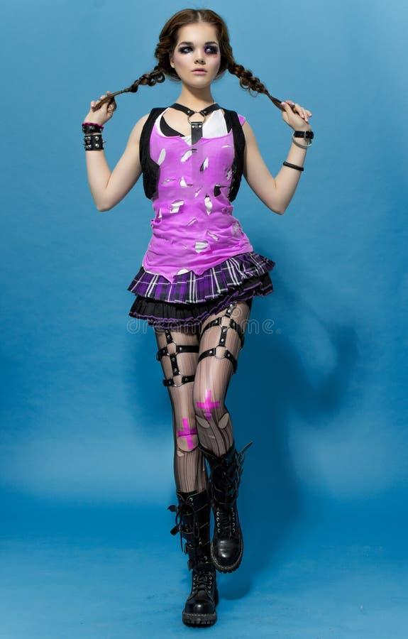 时尚Runk样式模型女孩画象 发型 低劣的妇女构成 图库摄影