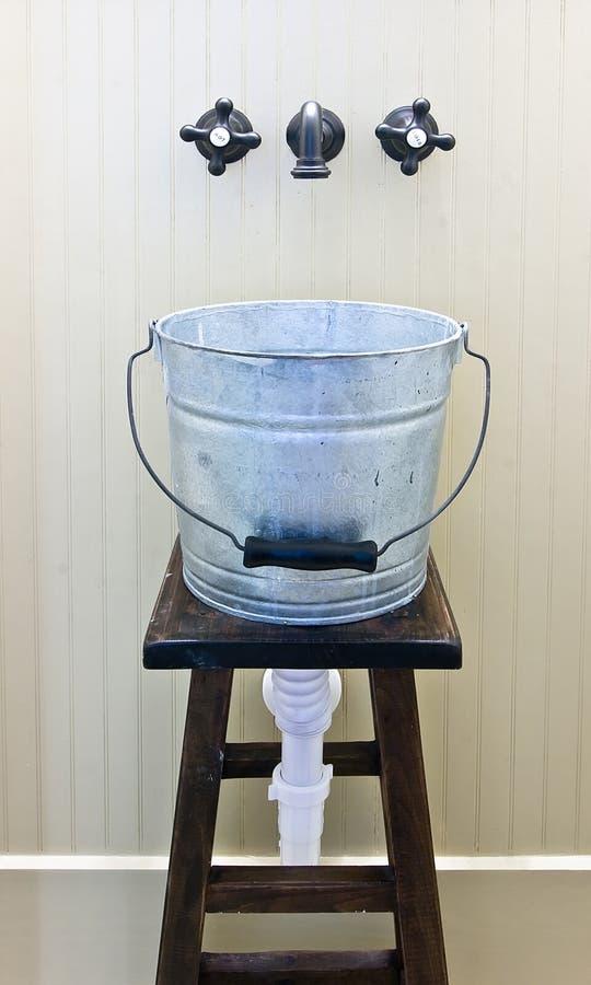 时段临时装备的水槽 免版税库存照片