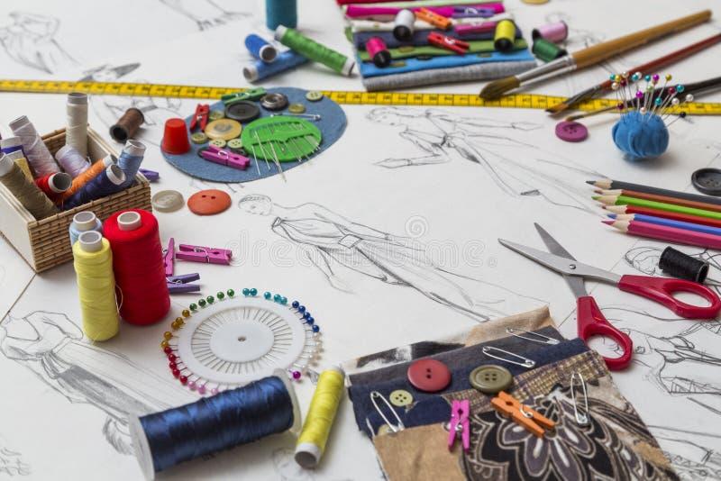 时装设计师书桌 免版税图库摄影