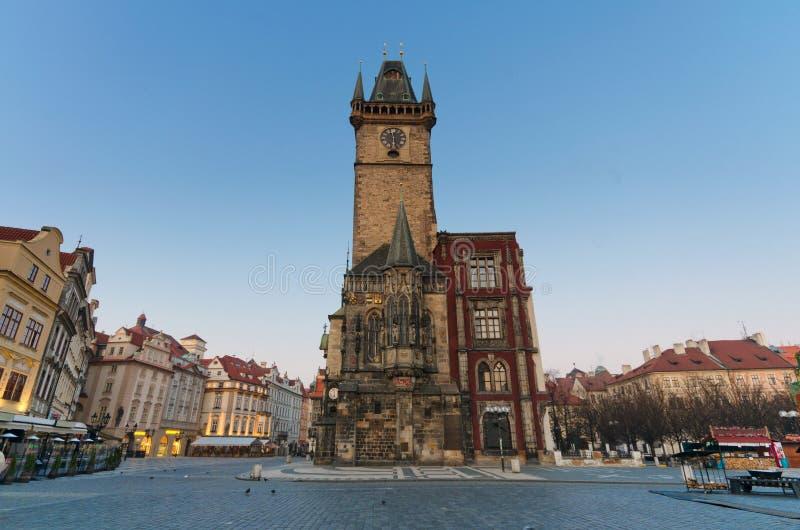 时钟老布拉格方形塔城镇 免版税库存图片