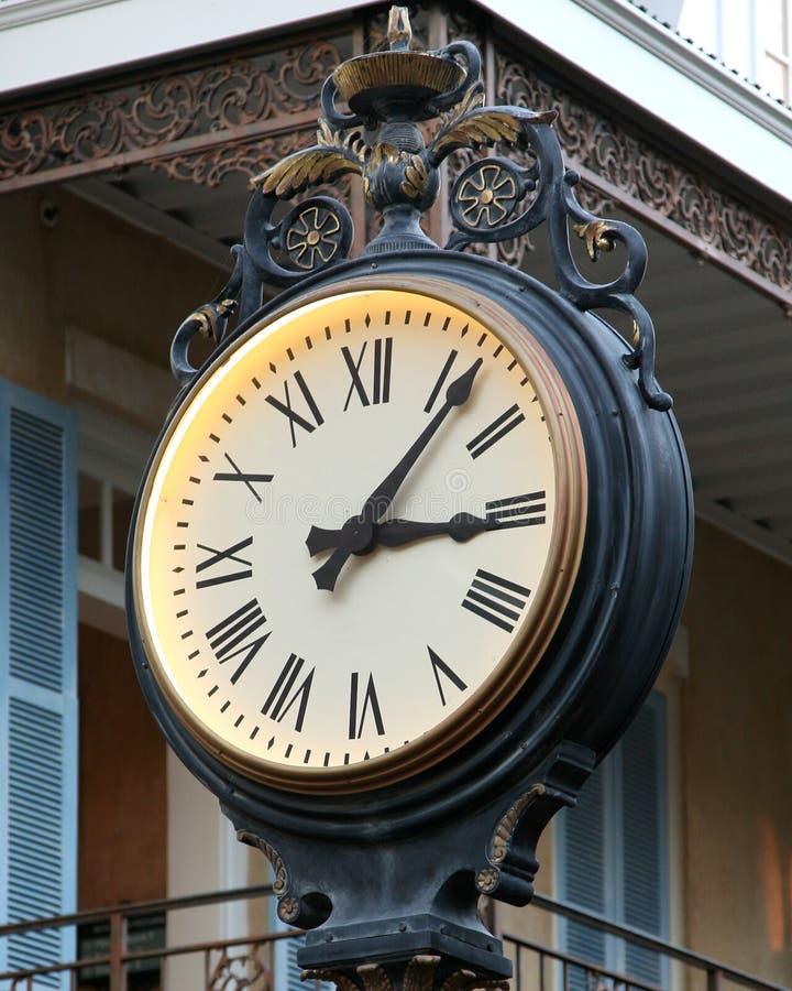 时钟被塑造的老室外 免版税图库摄影