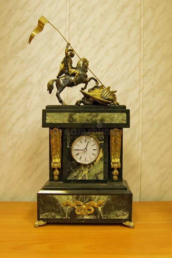 时钟雕塑 免版税库存照片