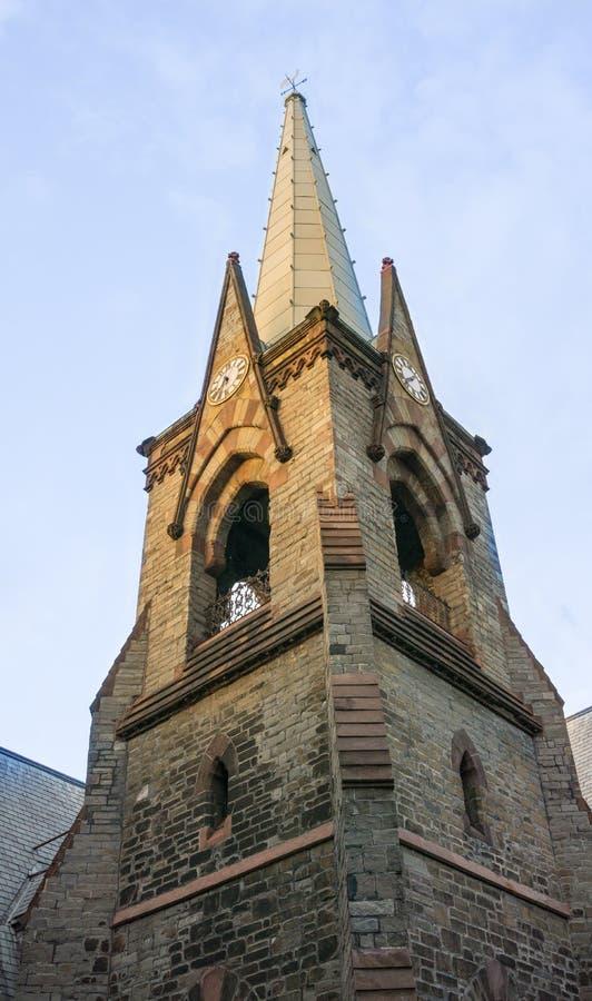 时钟&尖顶在第一个被改革的教会在斯克内克塔迪NY 库存照片