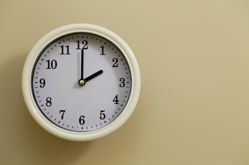 时钟` s时间是2个o `时钟 免版税图库摄影