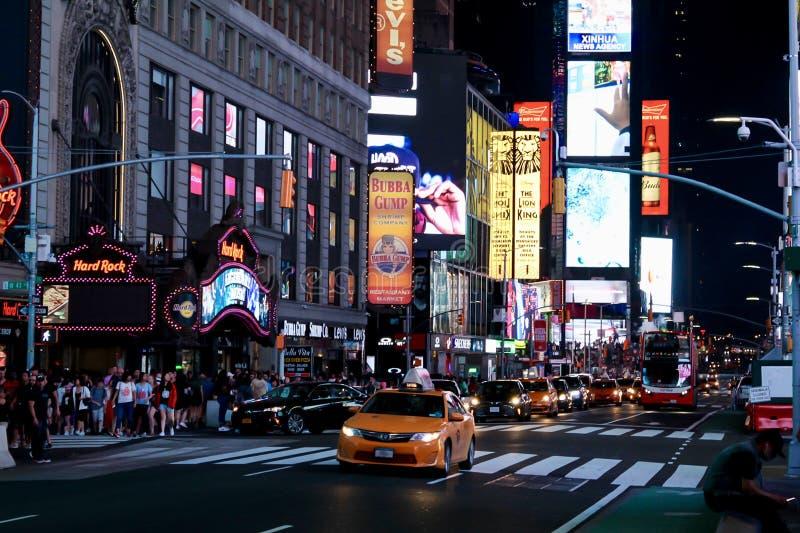 时间广场纽约在晚上 库存照片