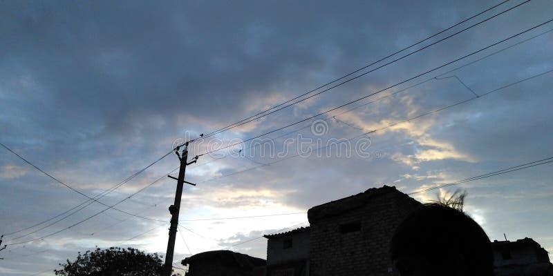 时间深蓝多云天空 图库摄影