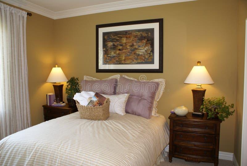 时髦美丽的卧室的客户 图库摄影
