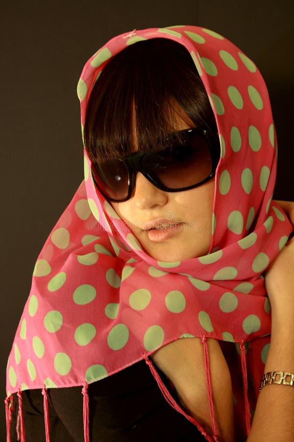 时髦美丽的女孩 图库摄影