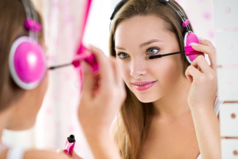 时髦青少年的女孩构成 免版税库存照片