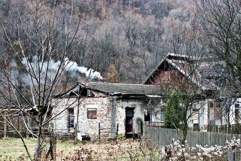 时间之前击毁的老大厦 免版税库存图片