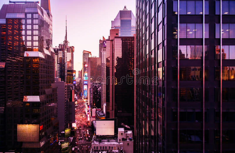 时代广场晚上,曼哈顿中城,纽约,美国 免版税库存图片