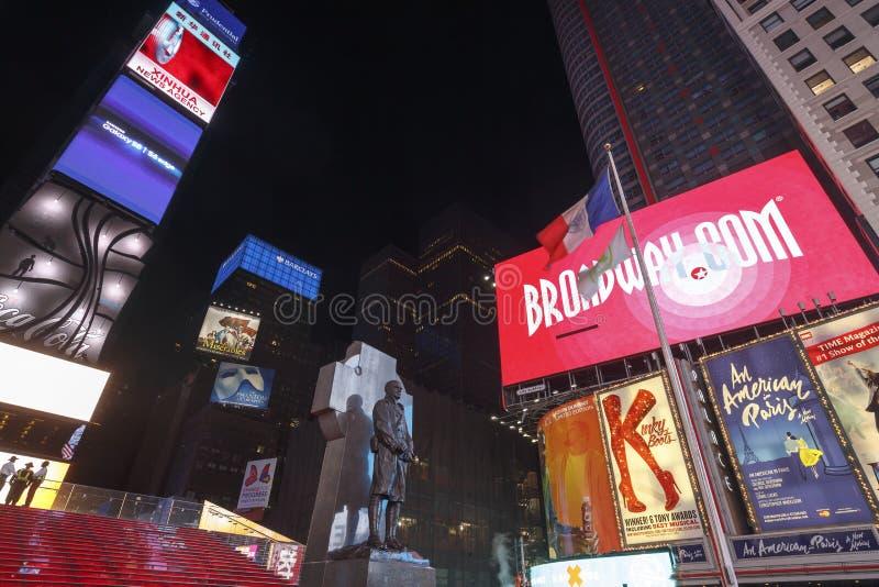 时代广场,以为特色与百老汇剧院和赋予生命的LED标志,纽约,美国 免版税库存图片