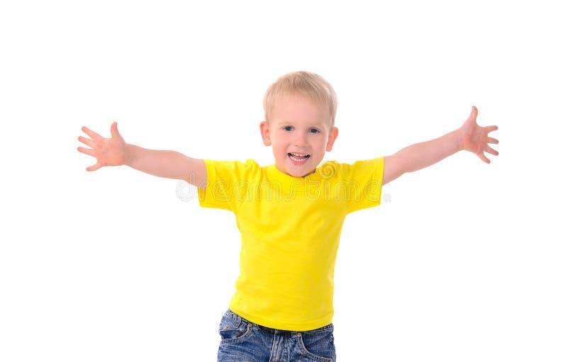 时兴的小男孩画象黄色衬衣的 免版税库存图片