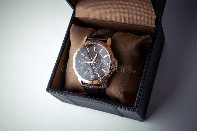 昂贵的人的手表 免版税库存图片