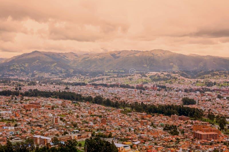 昆卡省市的鸟瞰图,厄瓜多尔 库存照片