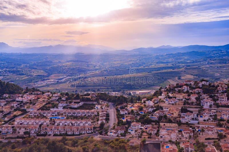 昆布雷在日落的del Sol,科斯塔布朗卡,西班牙海岸的看法  免版税库存图片