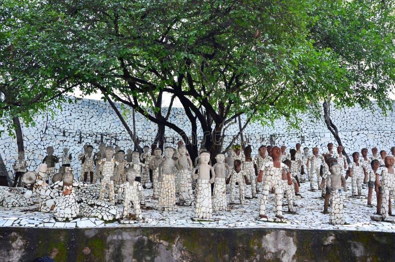 昌迪加尔,印度- 2015年1月4日:在假山花园的岩石雕象 免版税库存图片