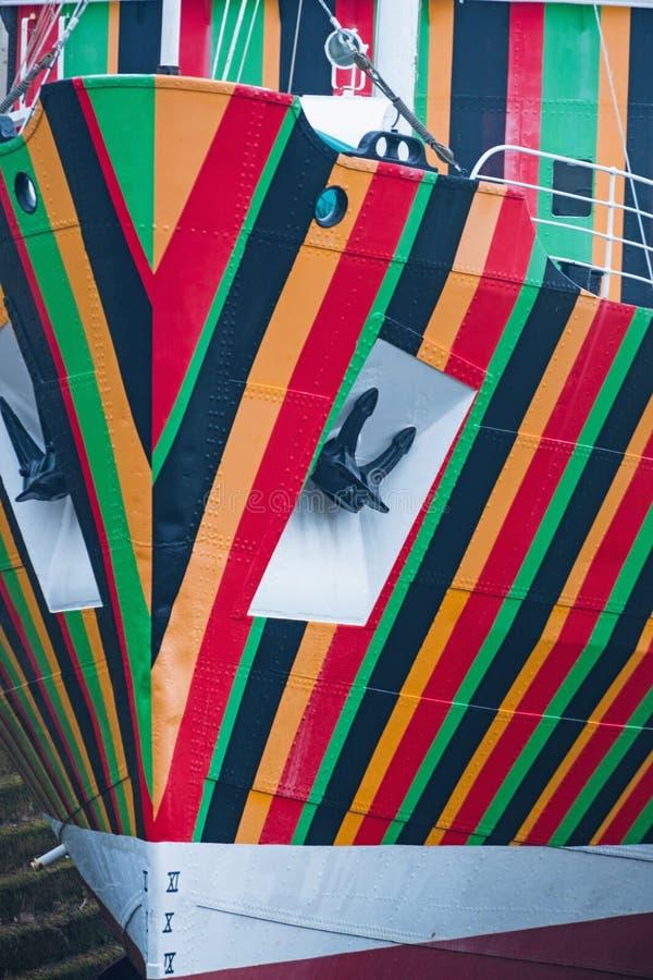 明亮地色的小船细节 免版税库存图片