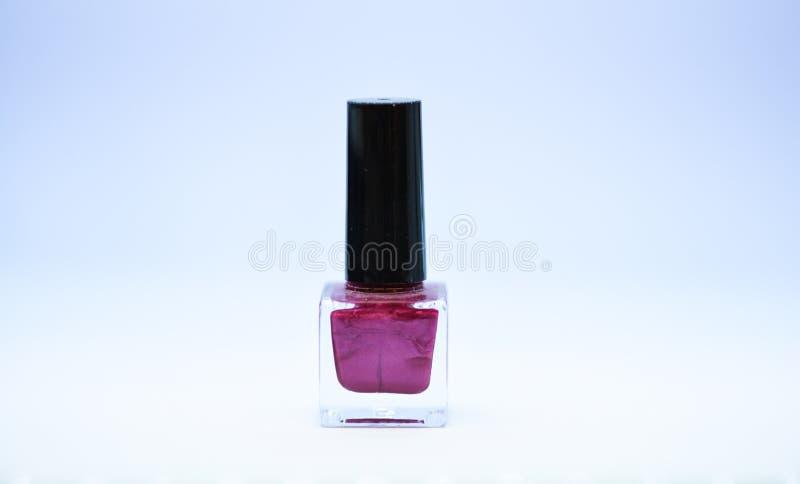 指甲油涂层的耐久性和质量 ( m 明亮指甲油的瓶 图库摄影