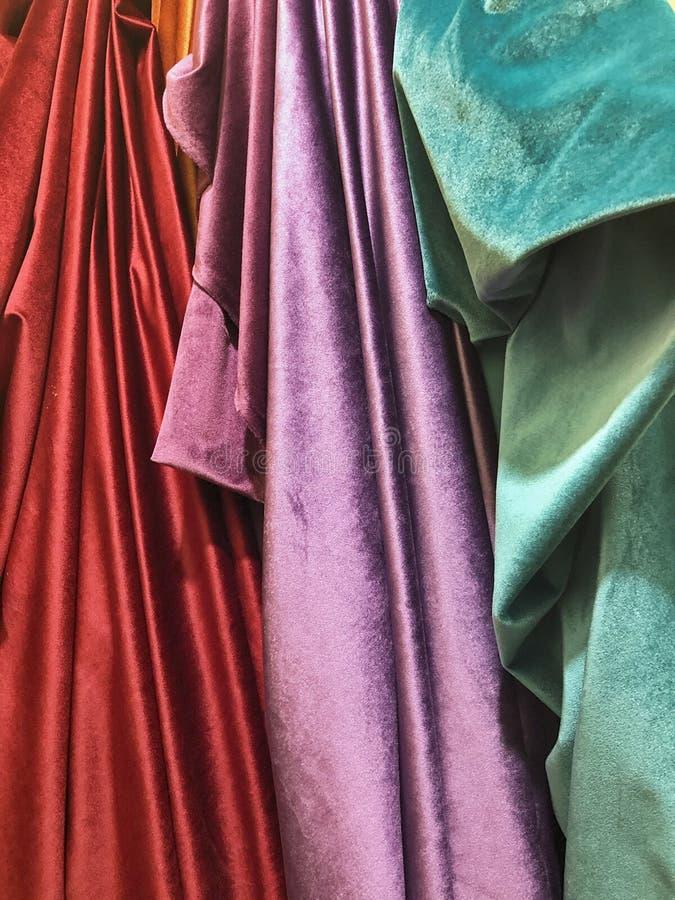 明亮的布料螺栓在马拉喀什 库存照片