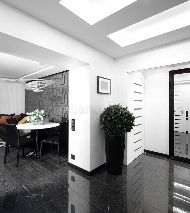 明亮的走廊家内部  免版税库存图片