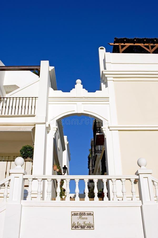 明亮的颜色现代镇西班牙晴朗 免版税库存图片
