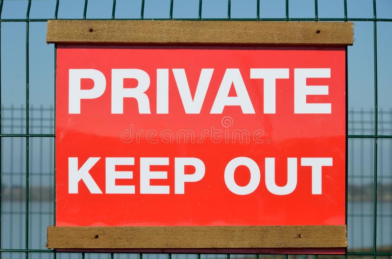 明亮私有把标志关在外面 库存照片