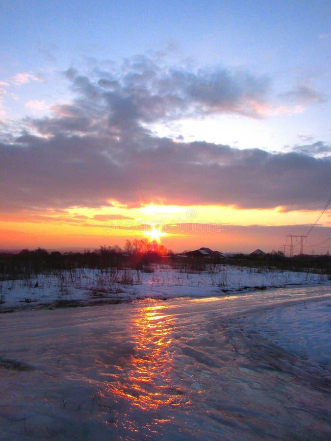 黎明堤防伊尔库次克俄国降雪冬天 图库摄影