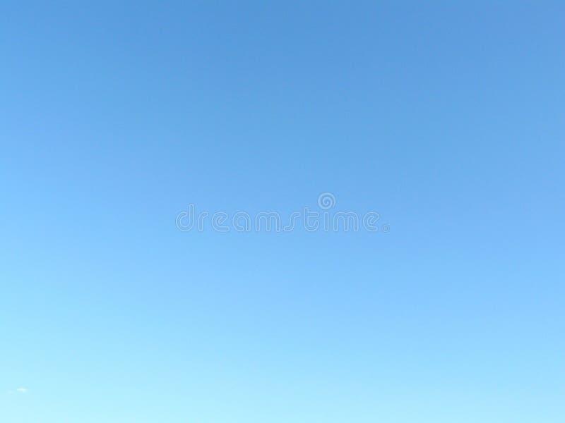 明显地蓝天梯度  免版税图库摄影