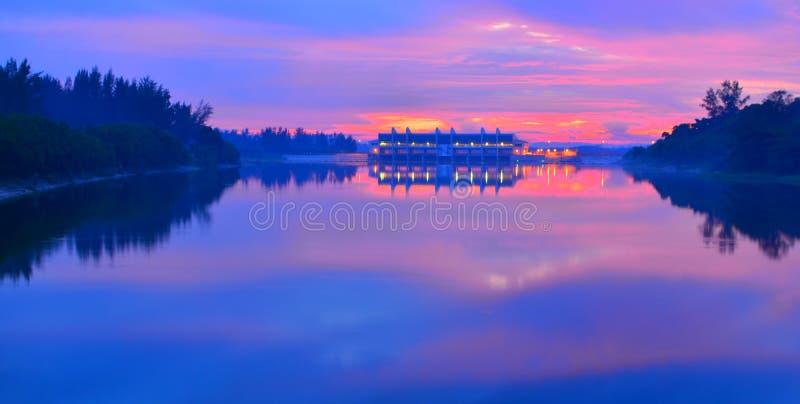 黎明Serangoon水库新加坡 库存照片