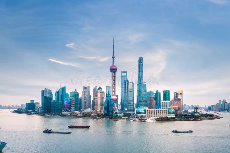 黄昏上海地平线 免版税库存图片