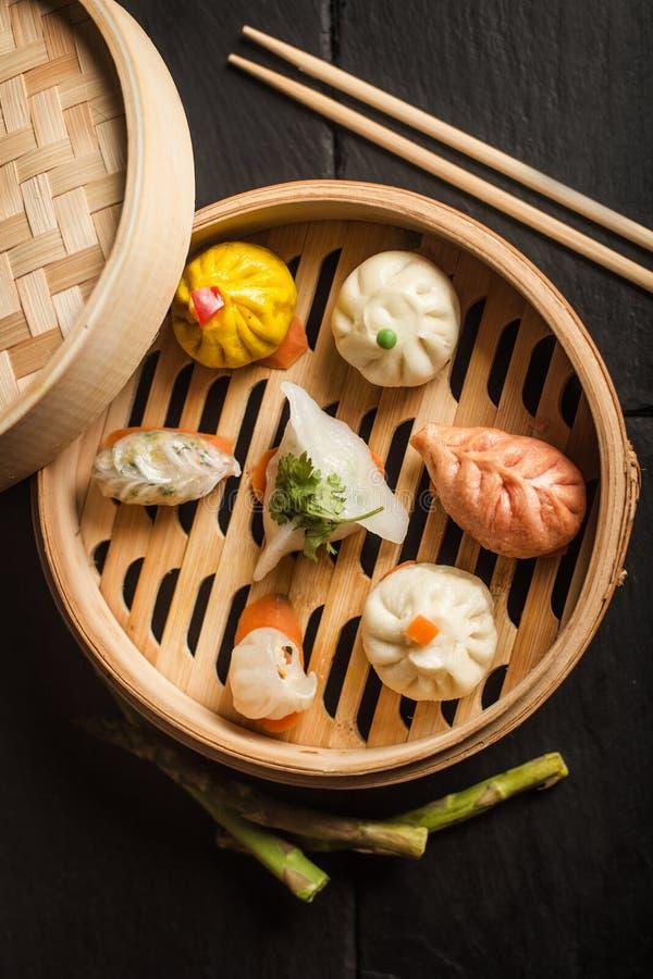 昏暗的饺子总和 传统中国的食物 免版税库存图片