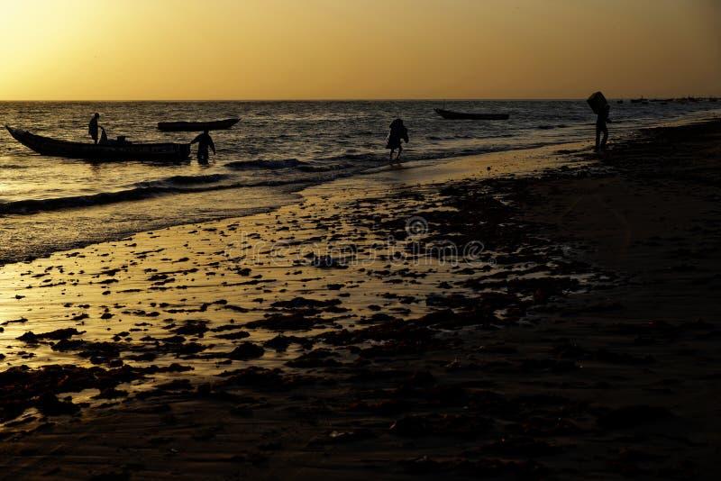 黄昏的渔夫 库存图片