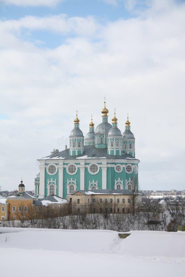 易三仓礼拜堂的冬天视图 斯摩棱斯克,俄国 免版税库存照片