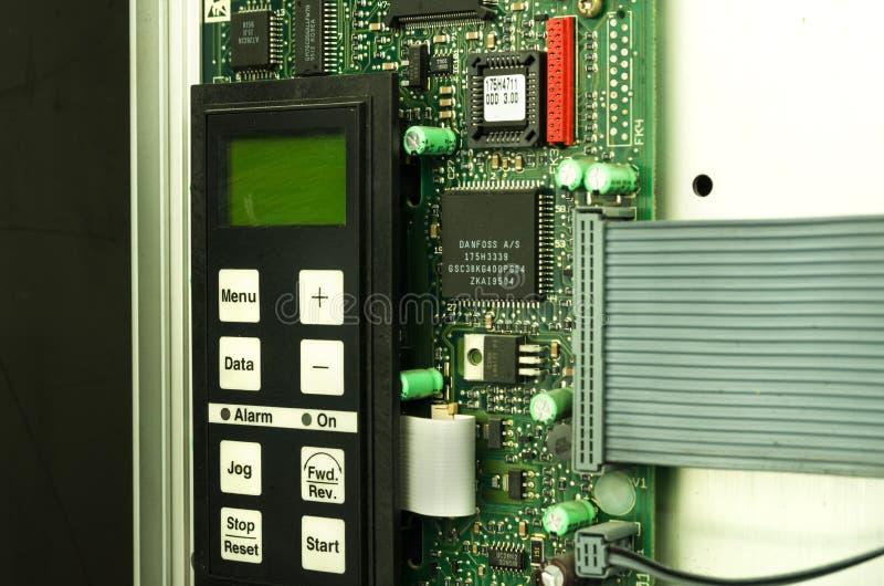 易变的速度推进变换器交换器,电压安定的单位 免版税库存照片