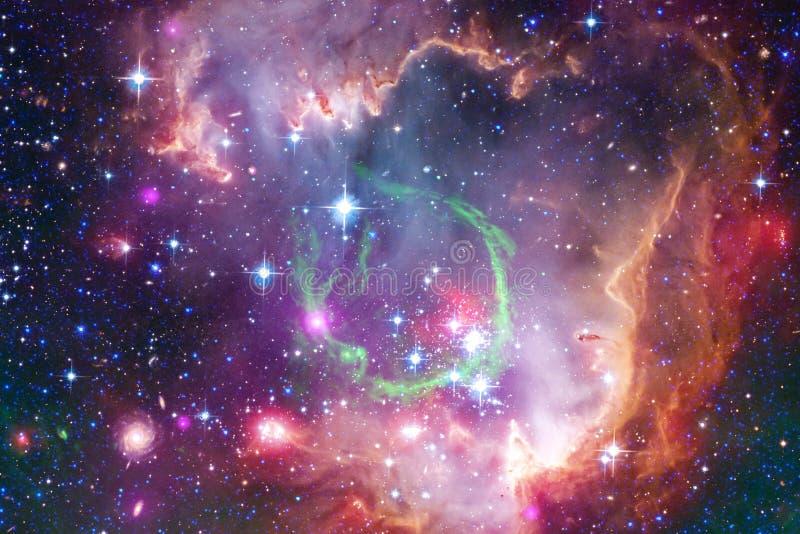 星云和星在外层空间,发光的神奇宇宙 免版税库存图片