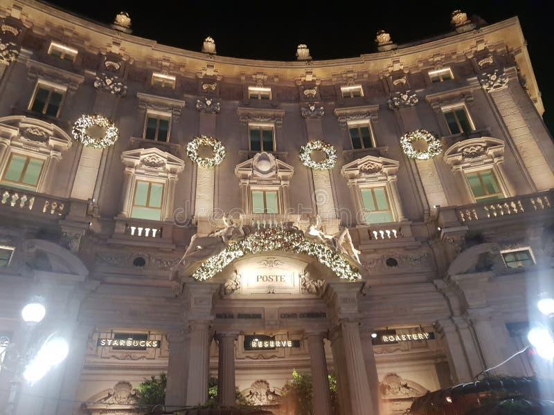 星巴克储备门面在米兰米兰意大利意大利 免版税图库摄影