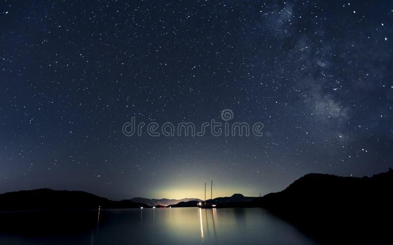 星形和小船 免版税库存照片