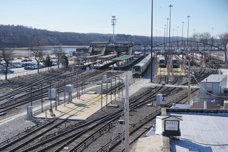 星期六早晨MTA巴豆Harmon市郊火车驻地 免版税库存图片
