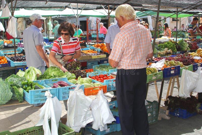 星期天水果和蔬菜市场在Pollenca,马略卡(马略卡),西班牙 免版税库存照片