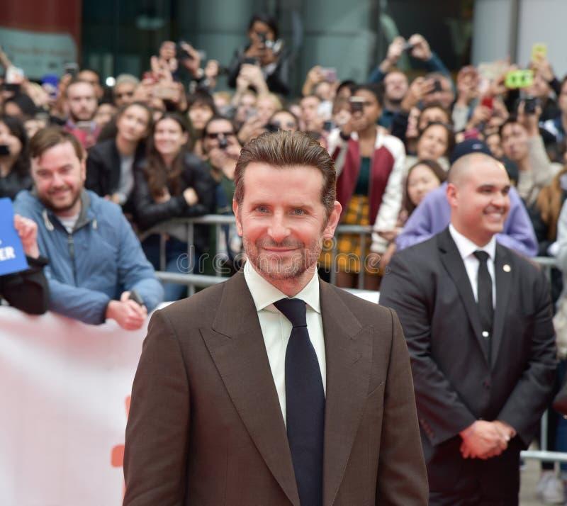 星的首放的布莱德利・古柏是出生在多伦多国际电影节2018年 免版税图库摄影