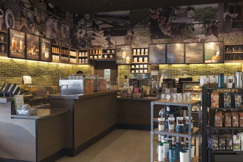 星巴克咖啡咖啡馆的内部看法 免版税库存照片